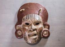 Bois aztèque maya mexicain et masque en céramique Images libres de droits