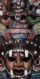 Bois aztèque maya mexicain et masque en céramique Photo libre de droits