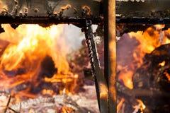 Bois brûlant d'incendie Photos libres de droits