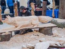 Bois découpant au festival de sculpture Photographie stock