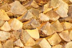 Bois de chauffage, rondins coupés secs photographie stock