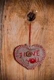 Bois de coeur main-cousu par fond de Valentine en bois Photos libres de droits