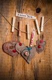 Bois de coeur main-cousu par fond de Valentine en bois Images libres de droits