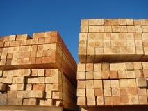 Bois de construction dans une palette photo stock