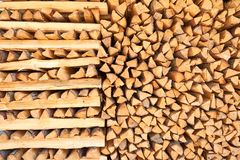 Bois de construction de pin Fond de bois de chauffage Images libres de droits