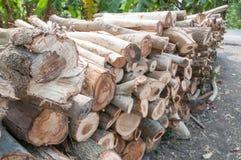 Bois de construction pour le bois de chauffage photographie stock libre de droits
