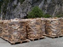 Bois pour le placein du feu les montagnes de la Suisse Photographie stock
