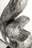 Bois sculpté thaïlandais noir et blanc au foyer sélectif photos stock