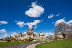 Boise Capitol som bygger över blå himmel Arkivbilder