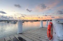 Boisez la jetée au coucher du soleil de crique de fer de parc de Leichhardt Photo stock