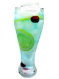 Boisson bleue de cocktail du Curaçao d'alcool avec le citron image libre de droits