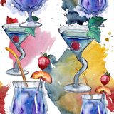 Boisson de cocktail de partie de barre de mélange Alcool dans l'ensemble en verre, illustration de menu de restaurant illustration stock