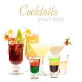 Boisson de projectile d'alcool sur les cocktails brouillés par fantaisie Photographie stock libre de droits