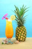 Boisson et ananas Photographie stock