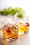 Boisson froide de cocktail d'été avec la cerise Image stock