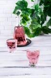 Boisson rose transparente Photographie stock libre de droits