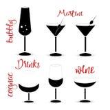 Boit des silhouettes des verres de vin Photos libres de droits