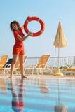 boja basenu czerwieni pierścionku rzuty kobieta Obrazy Royalty Free