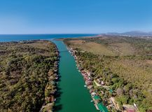 Bojana Fluss und Ada Island in Ulcinj, Montenegro Lizenzfreie Stockfotos