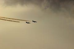 Bojowy lot para myśliwowie odrzutowi Zdjęcia Stock