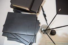 Bok på tabellen Fotografering för Bildbyråer