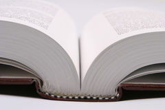 bok som öppet Arkivfoton