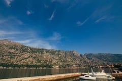 Boka-fjärd berg- och fartygmarina Arkivfoton