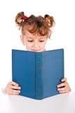 bokbarnavläsning Royaltyfria Bilder
