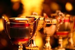 Bokeh чашки золота желтое никто стоковые изображения rf