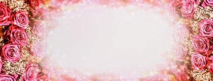 与光和bokeh的玫瑰浪漫背景 圆的玫瑰框架 库存图片