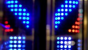 Bokeh AZUL ROJO de las luces BLANCAS Fondo abstracto enmascarado almacen de video