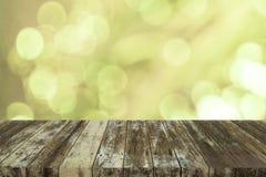 Bokeh bakgrund med tomt trä Royaltyfri Fotografi