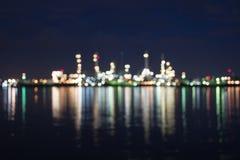 Bokeh borrado da foto da refinaria de petróleo e gás Fotografia de Stock Royalty Free