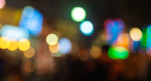 Bokeh coloré entoure pour le fond, Defocused léger de scintillement Photos stock