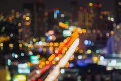 Bokeh da luz da noite da cidade de Banguecoque, fundo defocused do borrão imagens de stock