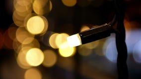 Bokeh de las luces de la Navidad almacen de video
