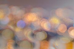 Bokeh de nuit, lumière urbaine, ville de puissance photographie stock libre de droits