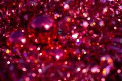 Bokeh de texture de tache floue de fond, violet, jaune, rose, six c?t?s, rond Fond rouge abstrait Defocused de No?l illustration libre de droits