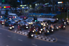 Bokeh del atasco de la tarde en el camino en ciudad Foto de archivo libre de regalías
