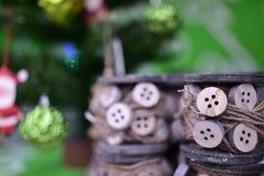 Bokeh för bakgrund för för julleksaker och hantverk suddig Royaltyfria Foton