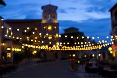 Bokeh-Hintergrund, der vom Bild von geschaffen wird, verzieren Licht im Marktplatz auf Abendzeit Kann Gebrauch als Hintergrund fü Lizenzfreie Stockbilder