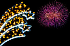 Bokeh léger et feux d'artifice colorés photos libres de droits