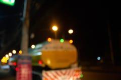 Bokeh multi abstrait de couleurs sur la route de nuit photographie stock libre de droits