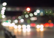 Bokeh samochód zaświeca na ulicie przy nocą Abstrakcjonistyczny tekstury bokeh fotografia stock