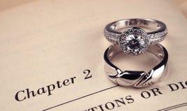 boken ringer bröllop royaltyfria bilder