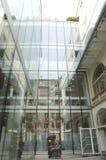 Bokhandel av den crystal fasaden Royaltyfri Foto