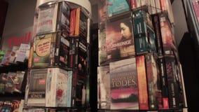 Bokhandel inomhus arkivfilmer