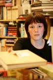 bokhandlarekvinnor Fotografering för Bildbyråer
