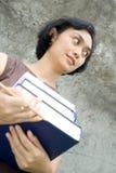 bokkarriären hands kvinnan Royaltyfri Fotografi