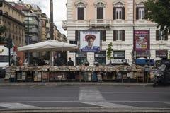 Boks försäljare i Rome, Italien Arkivbild
